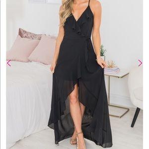 Dresses & Skirts - Black Maxi High-low Dress